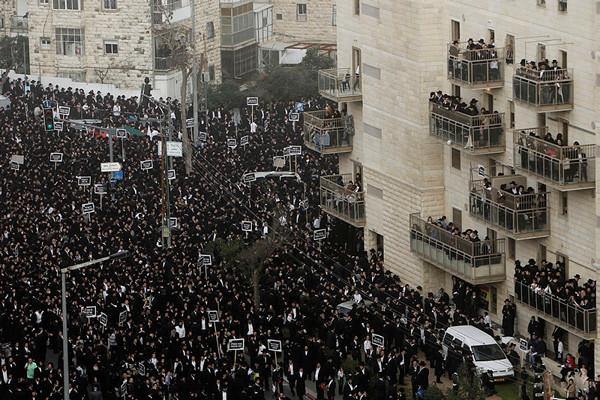 300 000 juifs orthodoxes en prière contre leur enrôlement