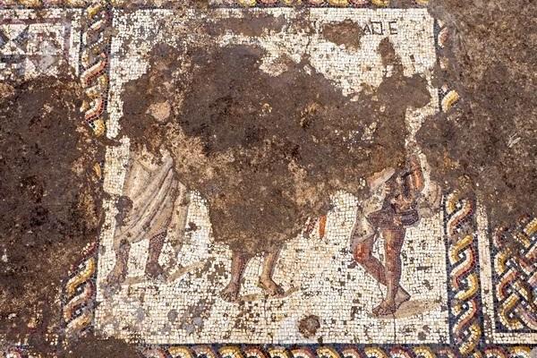Qui sont ces trois hommes ? Cela reste à définir. © Assaf Peretz/Israel Antiquities Authority