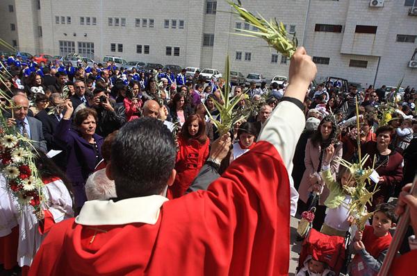 Les prêtres palestiniens du patriarcat latin de Jérusalem en appellent au Pape