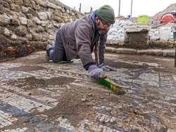 Une mosaïque romaine très colorée découverte à Césarée