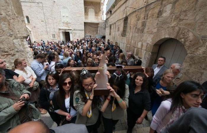 Un cortège funèbre pour Jésus dans les rues du quartier chrétien ©CTS