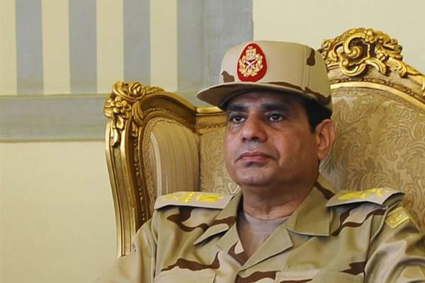 Un intellectuel égyptien : « La situation est instable, mais nous laissons gouverner les militaires »