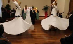 D'Istanbul à Assise : des derviches tourneurs dans le berceau du franciscanisme