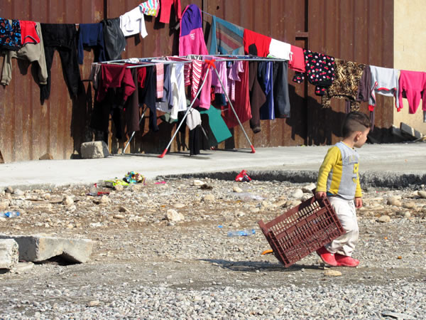 Parmi les réfugiés de nombreux enfants.