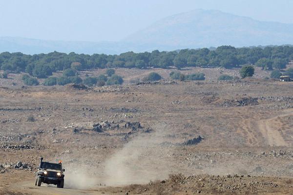 Une explosion à la frontière syrienne blesse trois soldats israéliens