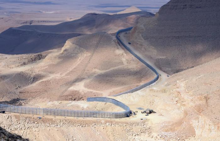 Un serpent de fer se déploie dans le Sinaï