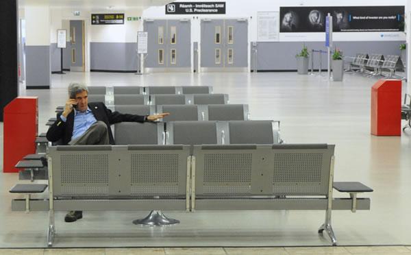 Kerry de nouveau à Jérusalem et à Ramallah pour relancer les négociations