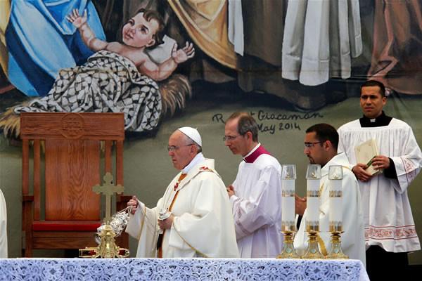 Le pape François aux enfants palestiniens : « Ne vous laissez pas écraser par le passé »