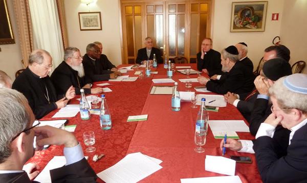 Des responsables juifs et catholiques appellent à généraliser les formations à l'éthique en matière économique