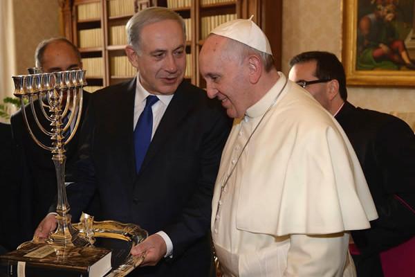 Le pape François et Netanyahu en pourparlers au Vatican