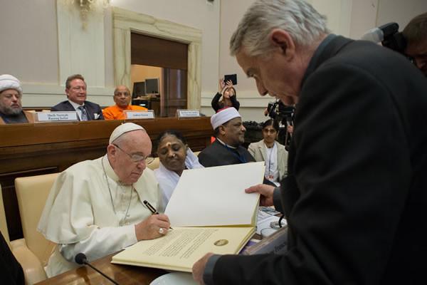 Voeux pour la Paix : le Non du Pape à toutes les formes modernes d'esclavage