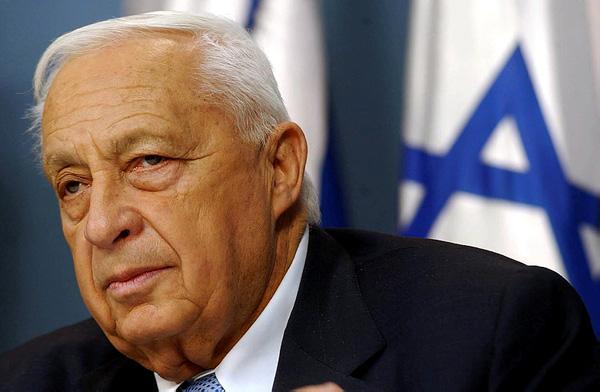 Ariel Sharon enterré dans sa propriété du Negev