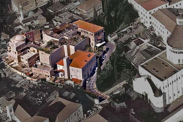 Vue aérienne du centre de Nazareth. Le complexe est en couleurs, il se situe à côté de la Basilique de l'Annonciation (Cimdn photo gallery)
