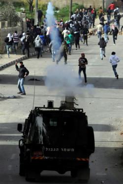 Les Palestiniens se révoltent contre les maltraitances dont ils sont victimes dans les prisons israéliennes