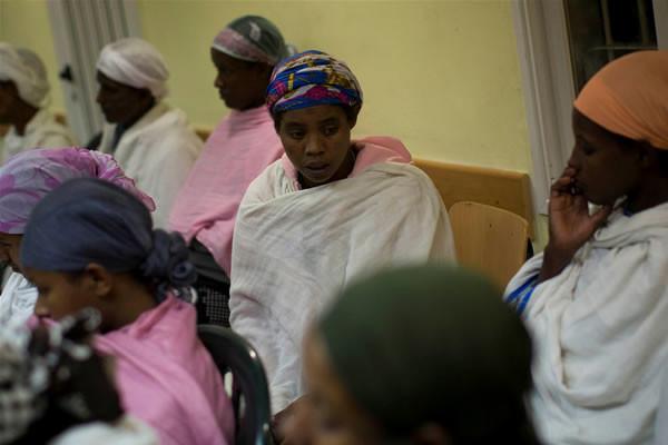 En Israël, une enquête sur la contraception longue durée d'éthiopiennes immigrées