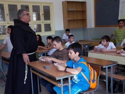 Les chrétiens israéliens réussissent à l'université mais diminuent en nombre