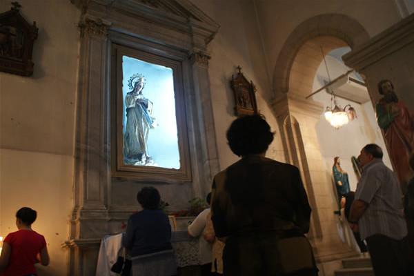 Tandis que la Syrie s'enfonce, de nombreux chrétiens s'enfuient