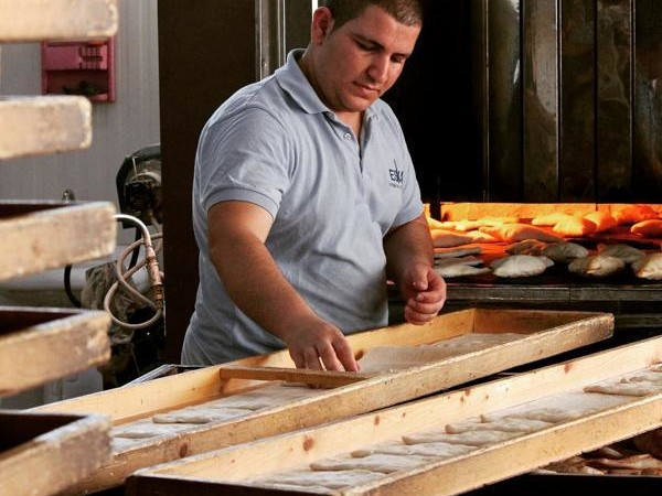 Après une première boulangerie ouverte par l'association dans le camp d'Ashti, à Erbil, FEI a ouvert une deuxième boulangerie à Zakho, dans le nord. Le but : redonner du travail aux déplacés et leur permettre d'acheter du pain moins cher - © FEI