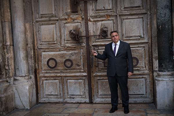 Le gardien de la clé du Saint-Sépulcre au coeur d'un scandale
