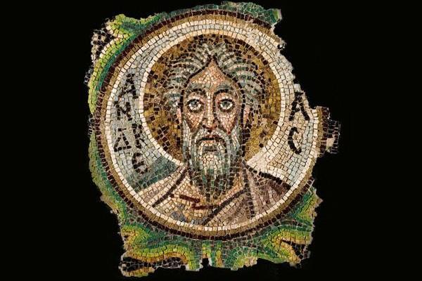 Une mosaïque de saint André, volée, rendue à Chypre