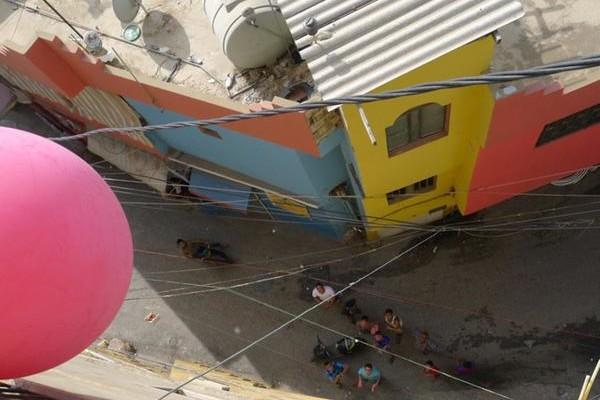 Un des ballons prend de la hauteur © Public Lab
