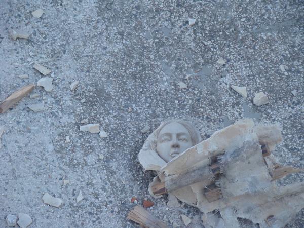 Syrie, une statue de la Vierge Marie détruite, symbole de cette persécution contre les chrétiens ©Custodie/Alep