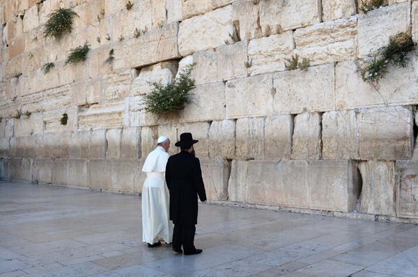 Le pape François se réjouit du rapprochement avec les juifs