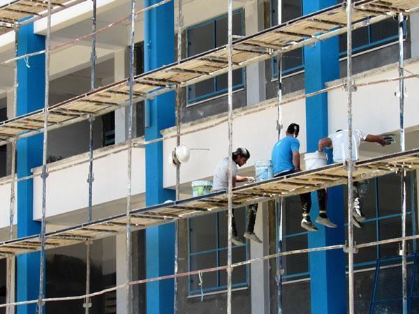 Ecole de Beach Camp. L'ONU a une plus grande facilité d'approvisionnement en matériaux de construction.