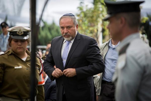 Les surprises de Lieberman