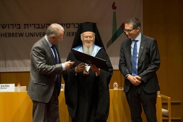 Bartholomée Ier fait Docteur de l'Université hébraïque