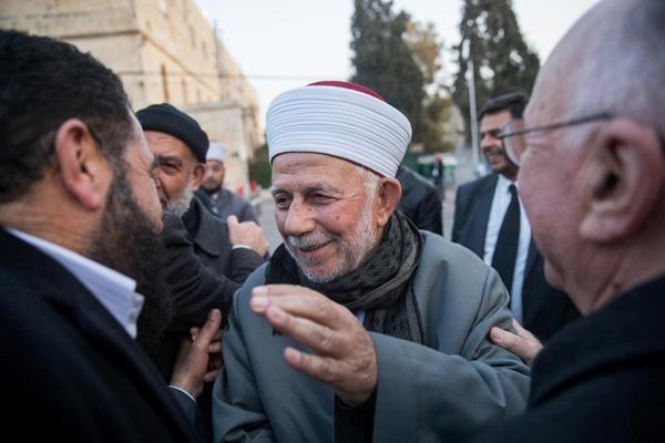 Esplanade des Mosquées: le cadenas de la discorde