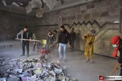 Des jeunes musulmans restaurent une église à Mossoul Est