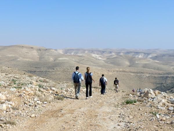 Chemins de Saint-Jacques et Sentier d'Abraham à pied d'oeuvre