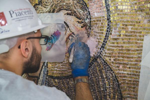 La restauration des mosaïques - Photo © Piacenti Spa