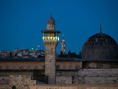 Jérusalem: le volume de l'appel à la prière en question