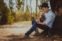 Etre ultra-orthoxode, jeune et chanteur : portrait de Meir