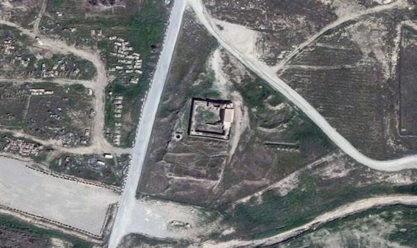 Au centre de la photo prise par un satellite, le monastère de Saint Elie à Mossoul en Irak, avant sa destruction. (Cliquez sur la photo pour l'agrandir)