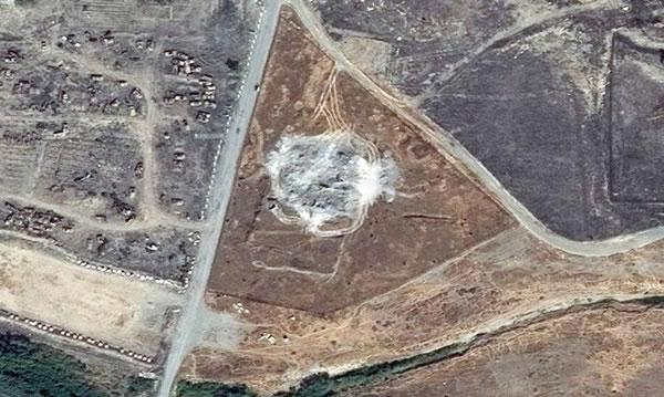 Cette image témoigne de la destruction achevée du monastère de Saint Elie.