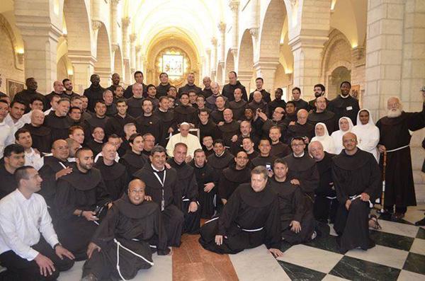 Le pape s'invite à déjeuner chez les Franciscains au couvent Saint-Sauveur