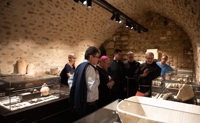 La plupart des objets exposés proviennent de fouilles effectuées dans le passé par des archéologues franciscains. ©Nadim Asfour/CTS