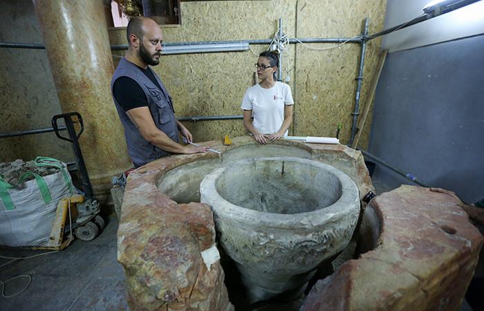 De présumés fonts baptismaux découverts à la Nativité