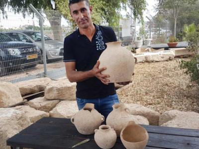 Objets funéraires de 4 500 ans mis au jour au nord d'Israël