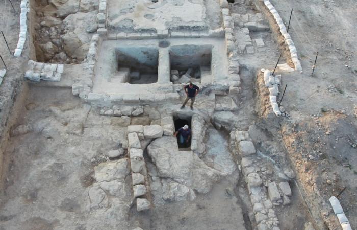 Vue aérienne des pressoirs à vin et d'un bain rituel sur le site d'Usha en Galilée © Assaf Peretz, Autorité des antiquités israéliennes.