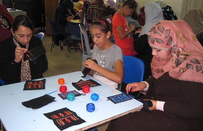 Tradition et solidarité, les broderies de Ramallah