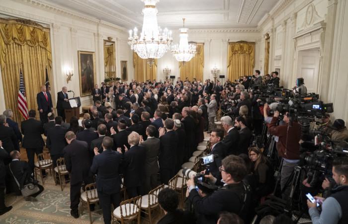 Le président Trump délivre son discours devant l'assemblée réunie pour l'occasion, le 28 janvier 2020 à la Maison Blanche. ©Shealah Craighead Maison Blanche
