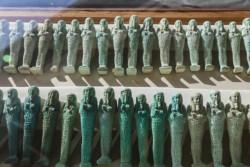 L'Egypte : découverte de tombes de prêtres d'il y a 3000 ans