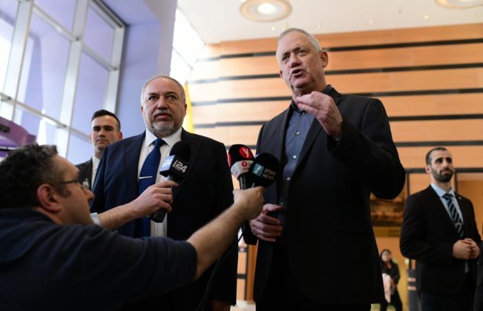 Israël : Benny Gantz chargé de former un nouveau gouvernement
