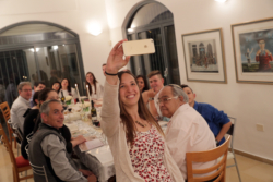 Pâque juive : des rabbins autorisent les fidèles à échanger par vidéo le soir du Séder