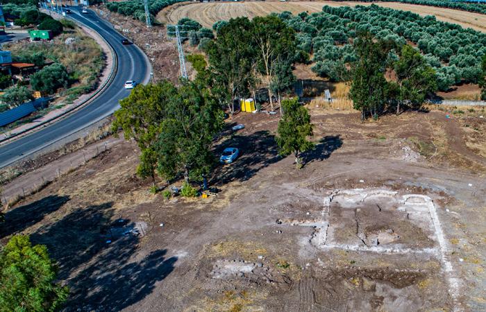 Vue aérienne des vestiges de l'église de Kfar Kama© Alex Wiegmann, Autorité des Antiquités d'Israël