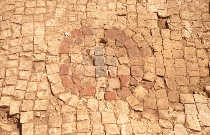 Sols en mosaïque ornés de croix dans l'église trouvée dans l'église byzantine d'environ 400 ans après J.-C., mise au jour dans la réserve naturelle de Panéas. © Yaniv Cohen/Israel Nature & Parks Authority/ Banias
